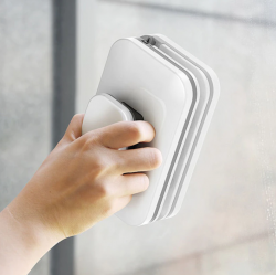 Wiper Wash - магнитная щетка для окон