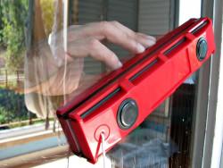 Glider - магнитная щетка для мытья окон